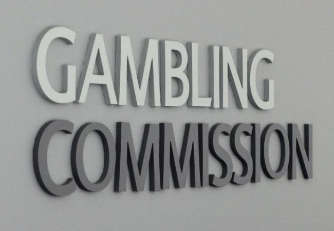 Komisi Perjudian Memberlakukan Ketentuan Lisensi yang Lebih Keras pada Tiga Operator Setelah Kegagalan AML dan SR